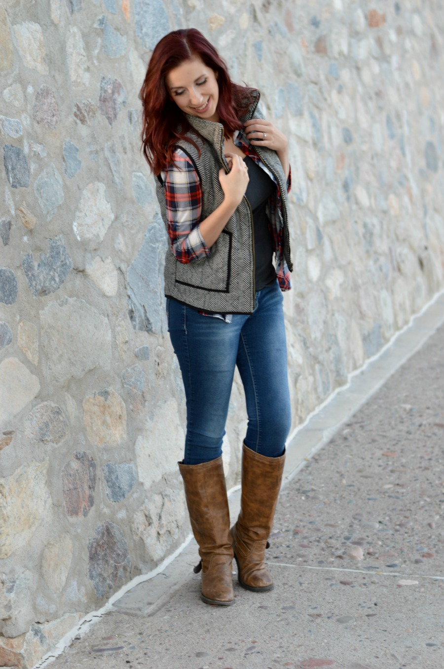 How to style a herringbone vest in the late winter or early spring! Here are 3 ways to create a herringbone vest outfit to keep you stylish while the seasons change from winter to spring // www.heytherechelsie.com