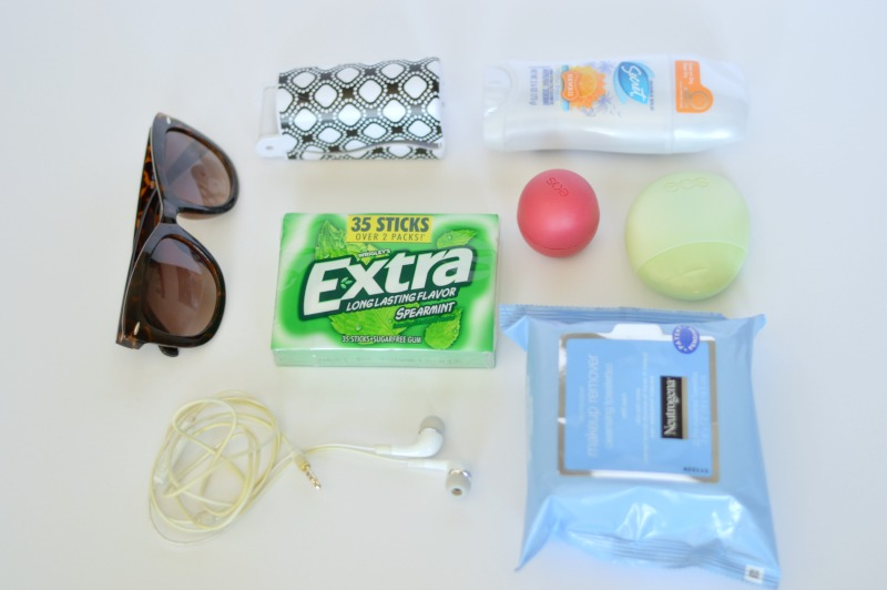What to pack in your road trip bag: all of these items are essential to having a safe road trip and move and will also help you keep your sanity while driving. Keep a bag filled with gum, sunnies and puppy treats! // #ad #GIVEEXTRAGETEXTRA #target