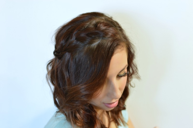 Three Days of Curly Hair Tutorial: Day One - Curls and Boho French Braid. Check out how I get this simple and pretty curly hair style within minutes! #ad #rethinkyourcolour // Hey There, Chelsie