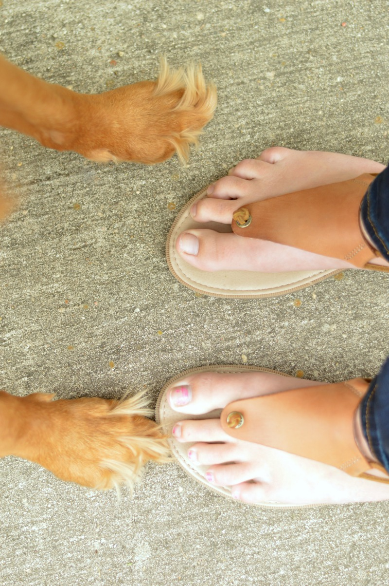 Sperry Sandals from Orvis. Perfect for spring and summer and spending time with your pup! // www.heytherechelsie.com #ad