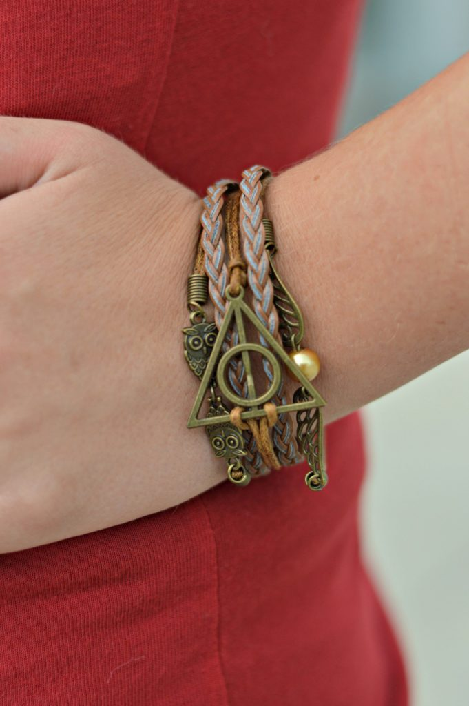 Harry Potter jewelry and casual fall outfit! Perfect for running errands! Jean Jacket outfit idea for fall! 3 Ways to style your inner Harry Potter Nerd // Hey There, Chelsie