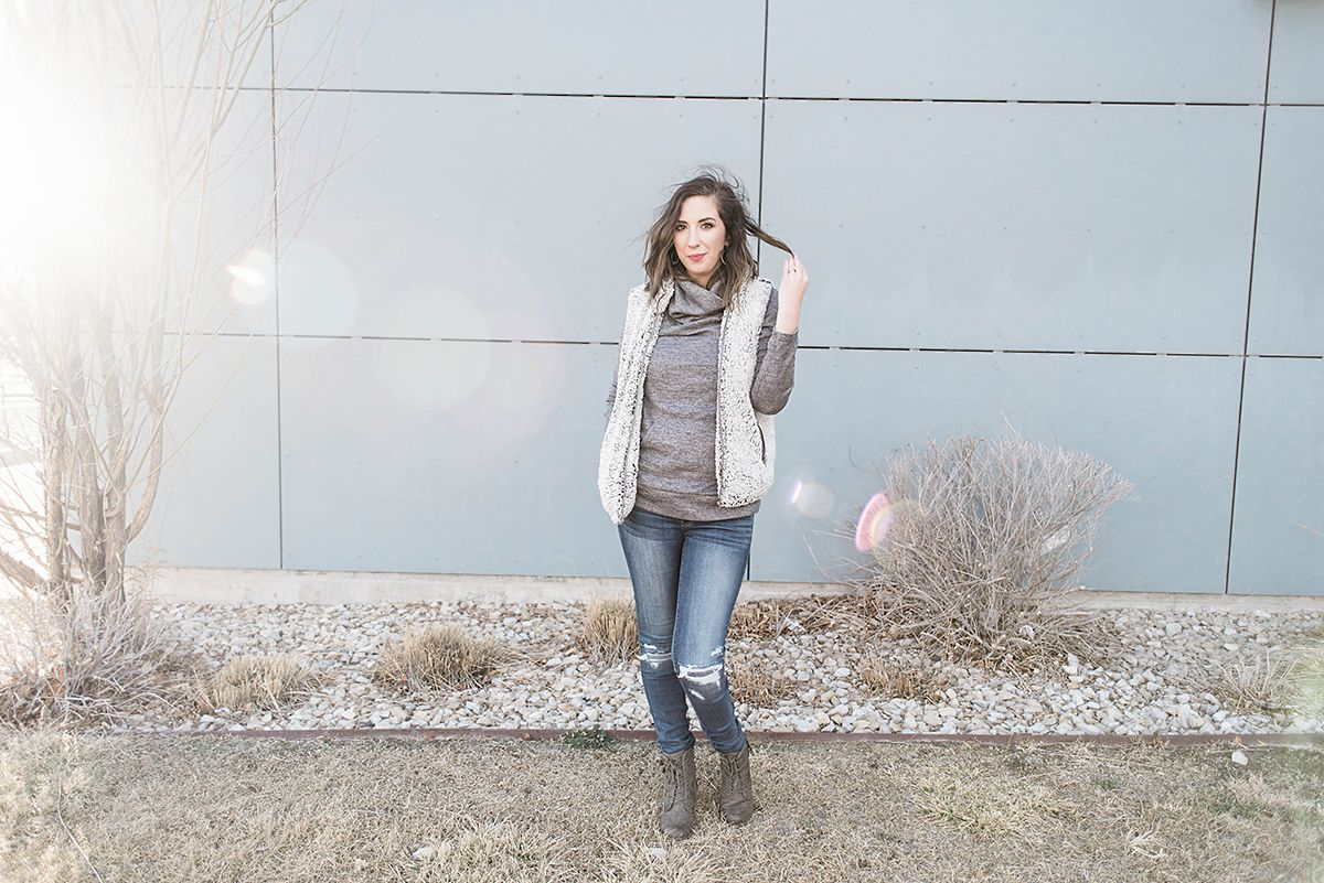 Here are 3 Sherpa Vest outfit ideas - Sherpa vests and Sherpa Pull overs are all the rage - so here are 3 ways to style a Sherpa Vest // Hey There, Chelsie