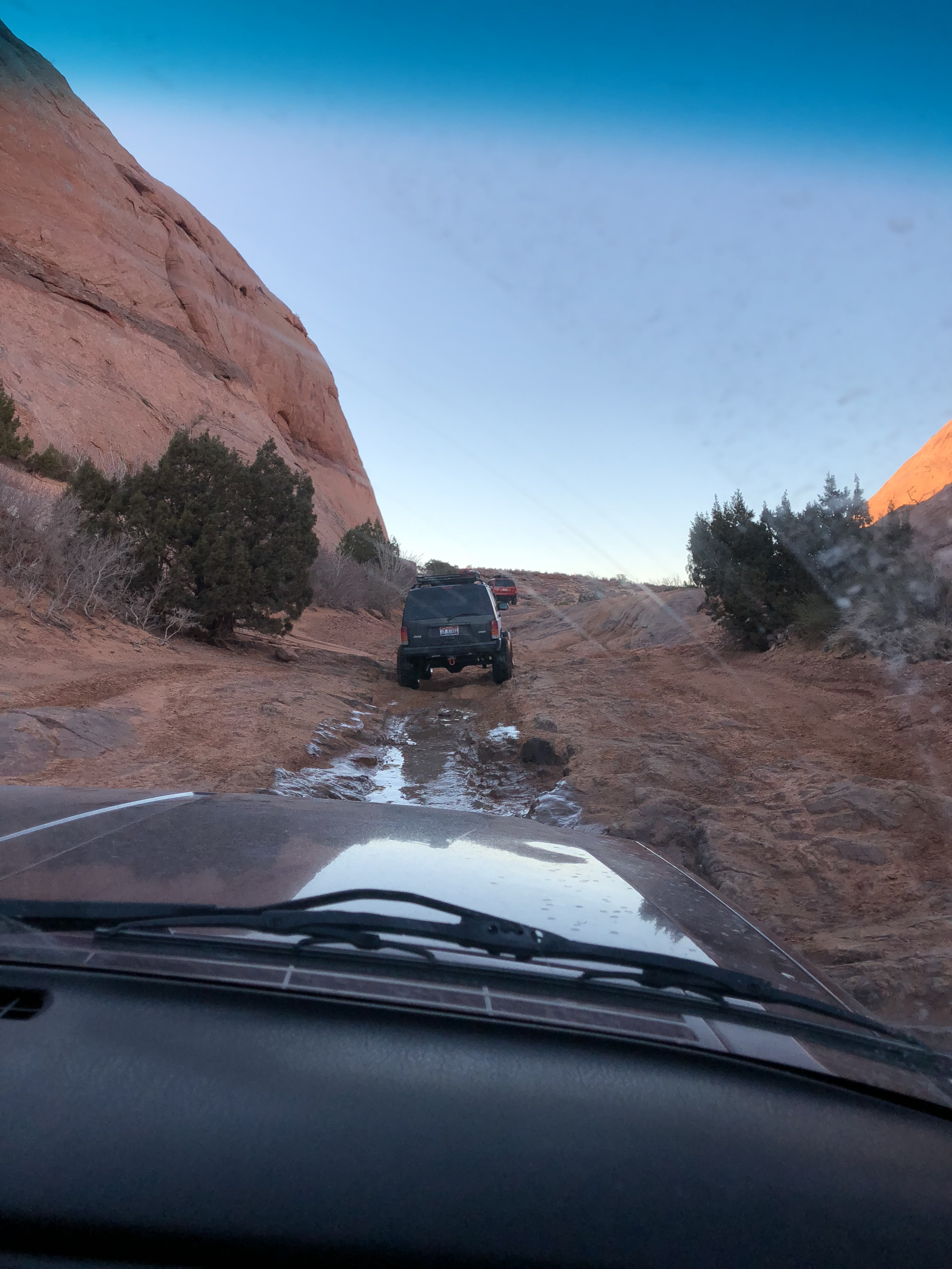 Hell's Revenge 4X4 Trail in Moab, UT - Jeep Guide // Hey There, Chelsie