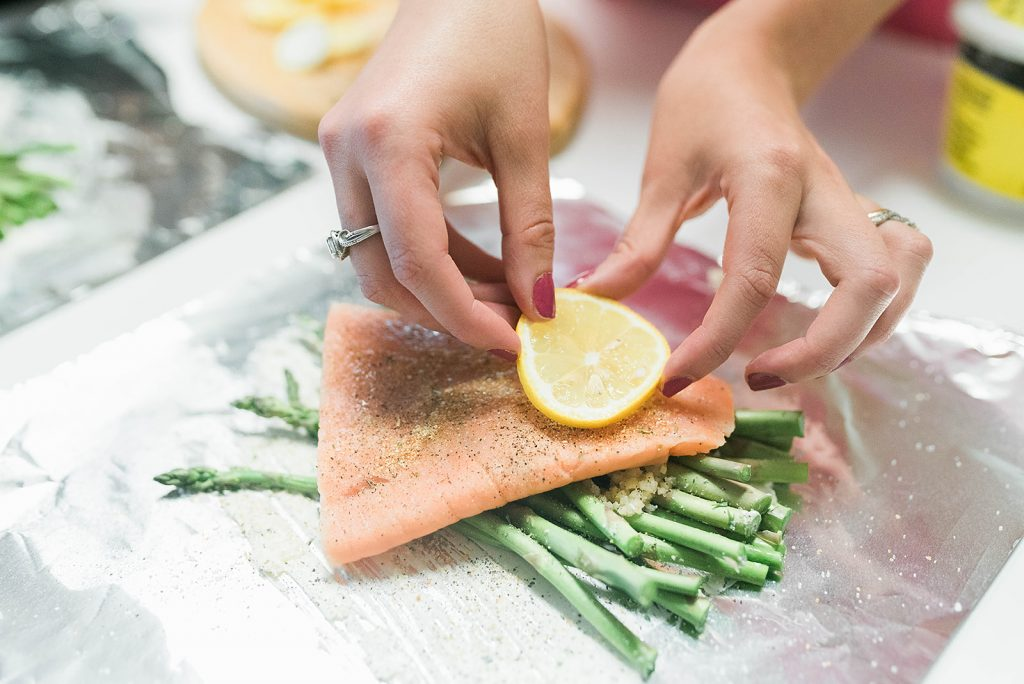 Easy & Healthy Grilled Salmon and Asparagus Recipe // Hey there, Chelsie