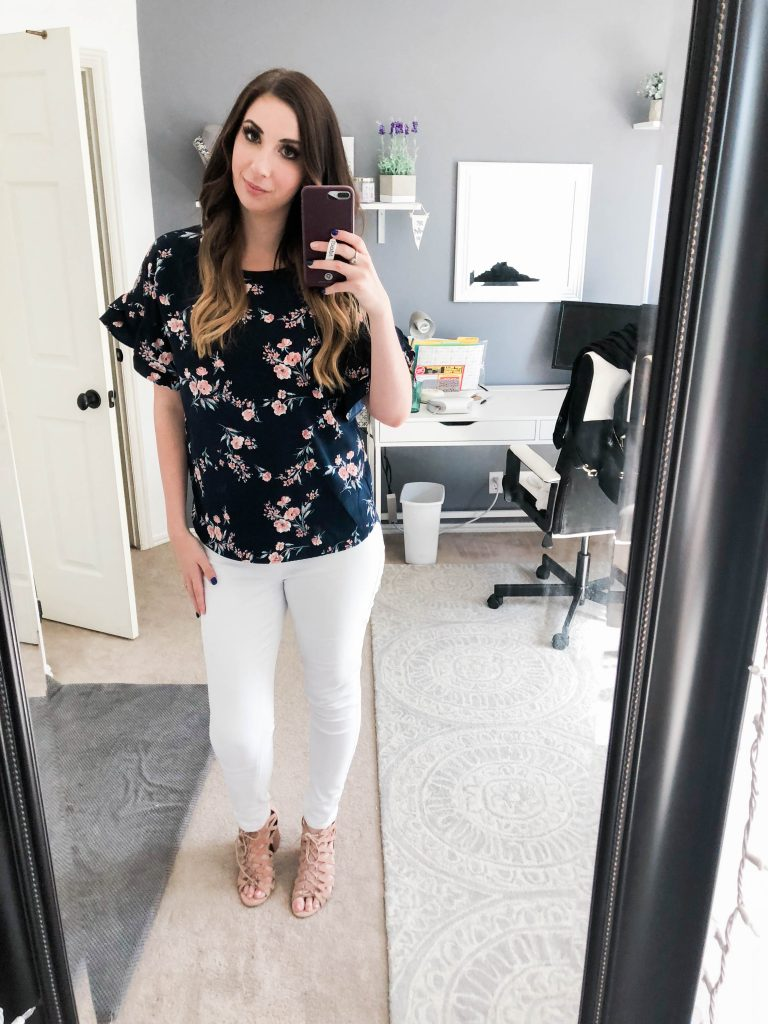 6 Summer Outfits for the Office - 6 professional outfits for the workplace to wear during the summer in a business casual setting // Hey There, Chelsie