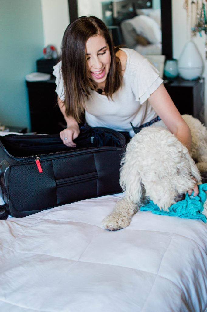 How to Pack for a Beach Vacation & complete packing list for a beach trip // Hey There, Chelsie